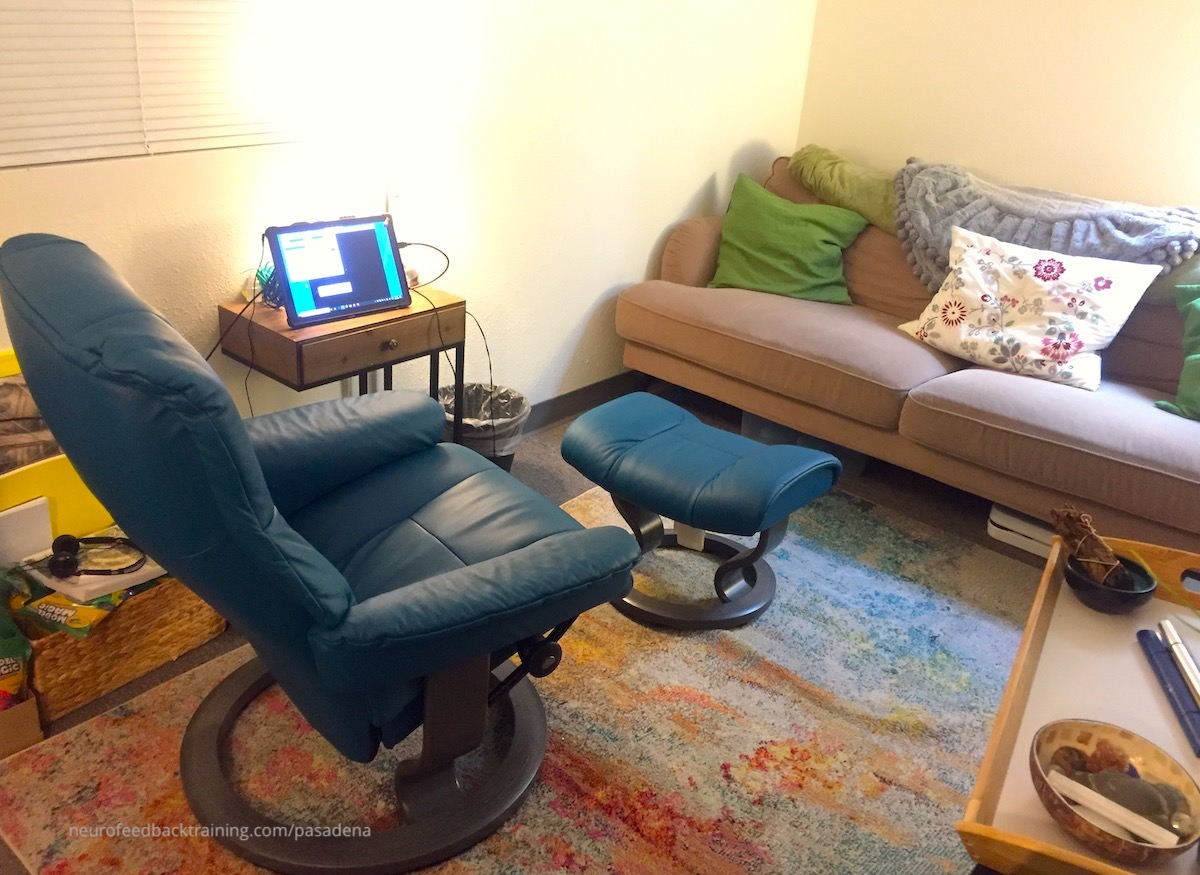 neurofeedback-training-pasadena-therapy-office-chair